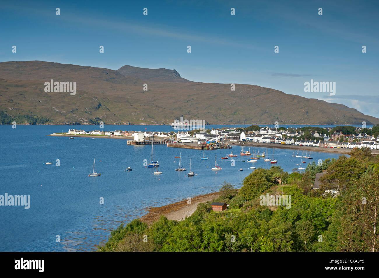Ullapool, fishing and tourist ferry port on Loch Broom, Wester Ross Highland Region Scotland.  SCO 8528 Stock Photo