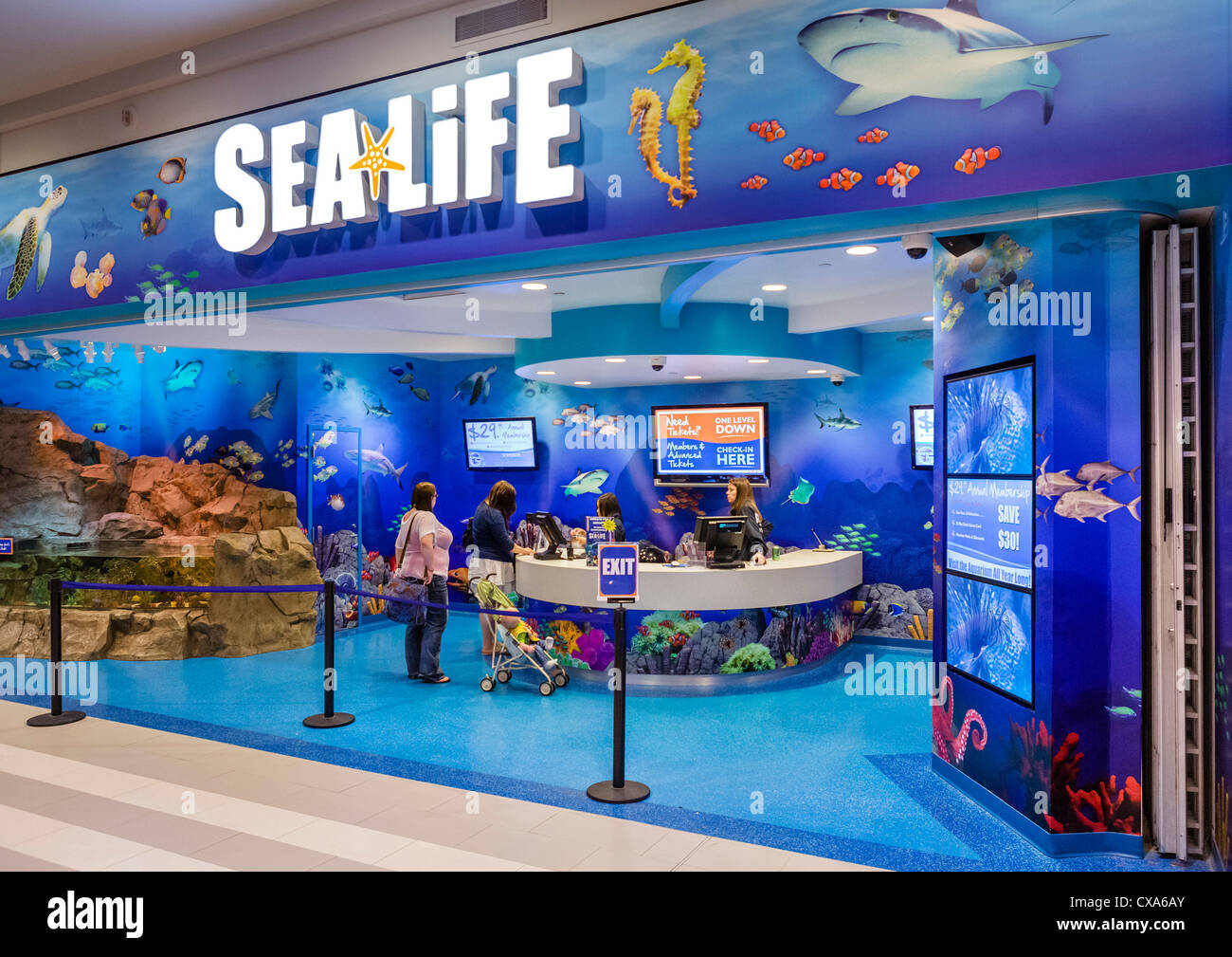 Ticket desk at the Sea Life Aquarium in the Mall of America, Bloomington, Minneapolis, Minnesota, USA - Stock Image