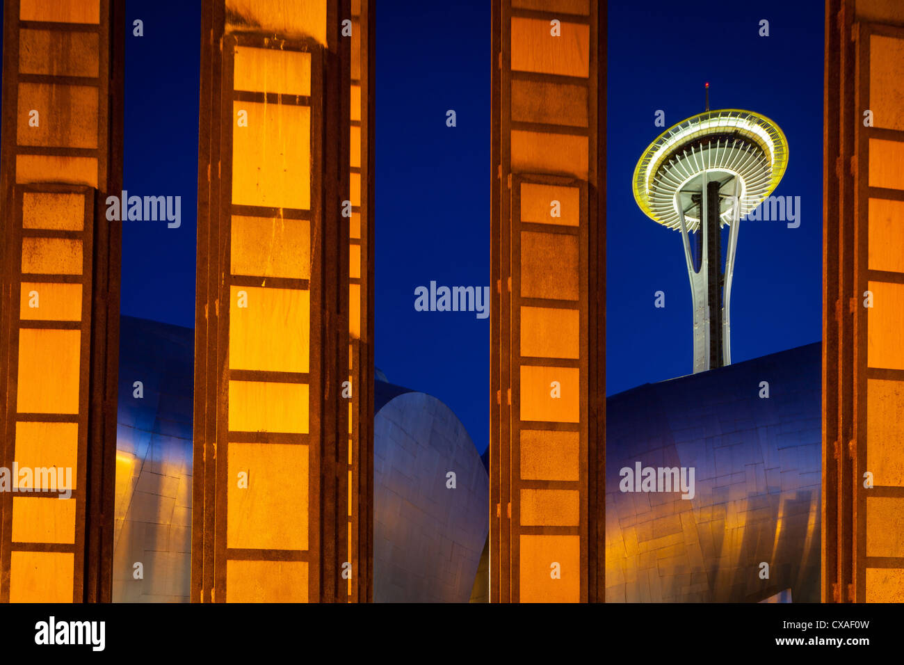 """Seattle Space Needle and """"Bamboo"""" sculpture at Seattle Center. Stock Photo"""