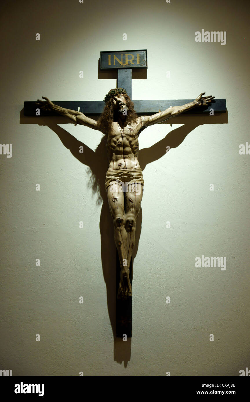 christ jesus on the cross statue sculpture santuario de st. Black Bedroom Furniture Sets. Home Design Ideas