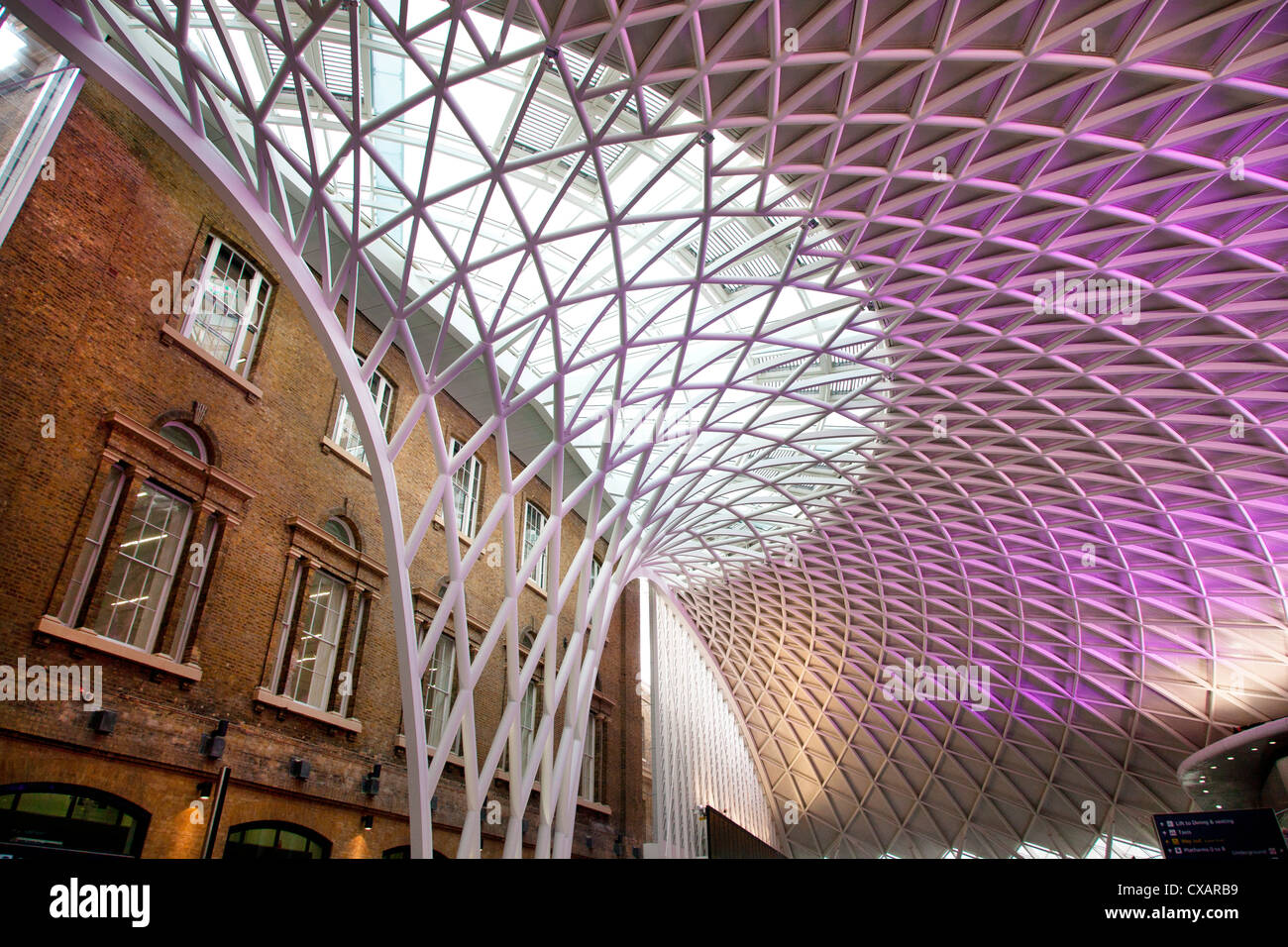 Western concourse of King's Cross Station, London, England, United Kingdom, Europe - Stock Image