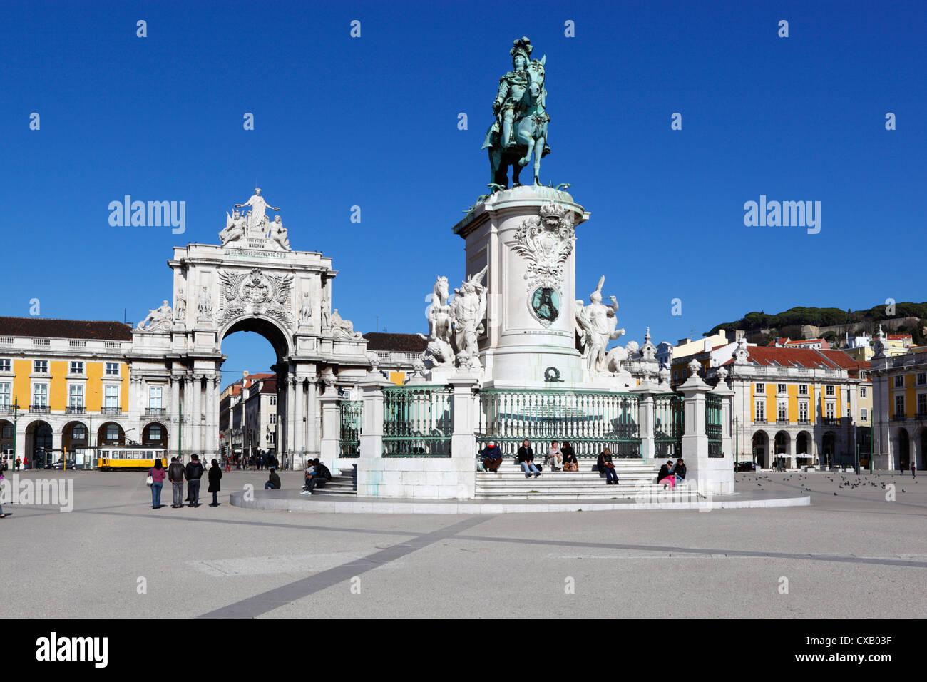 Praca do Comercio with equestrian statue of Dom Jose and Arco da Rua Augusta, Baixa, Lisbon, Portugal, Europe - Stock Image