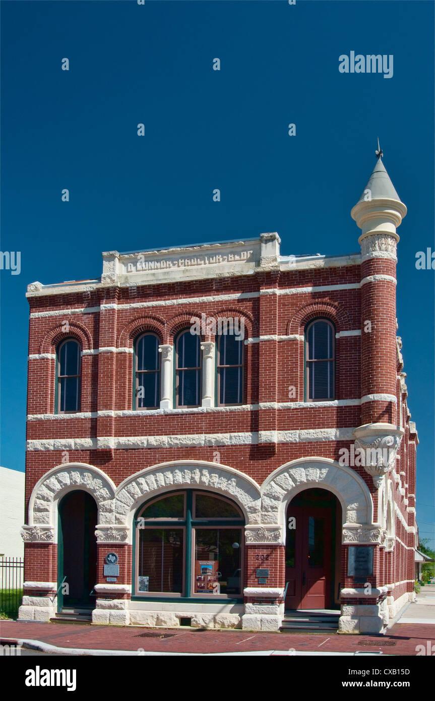 O'Connor Proctor Building, Romanesque Revival style (1895) near De Leon Plaza, Victoria, Texas, USA - Stock Image