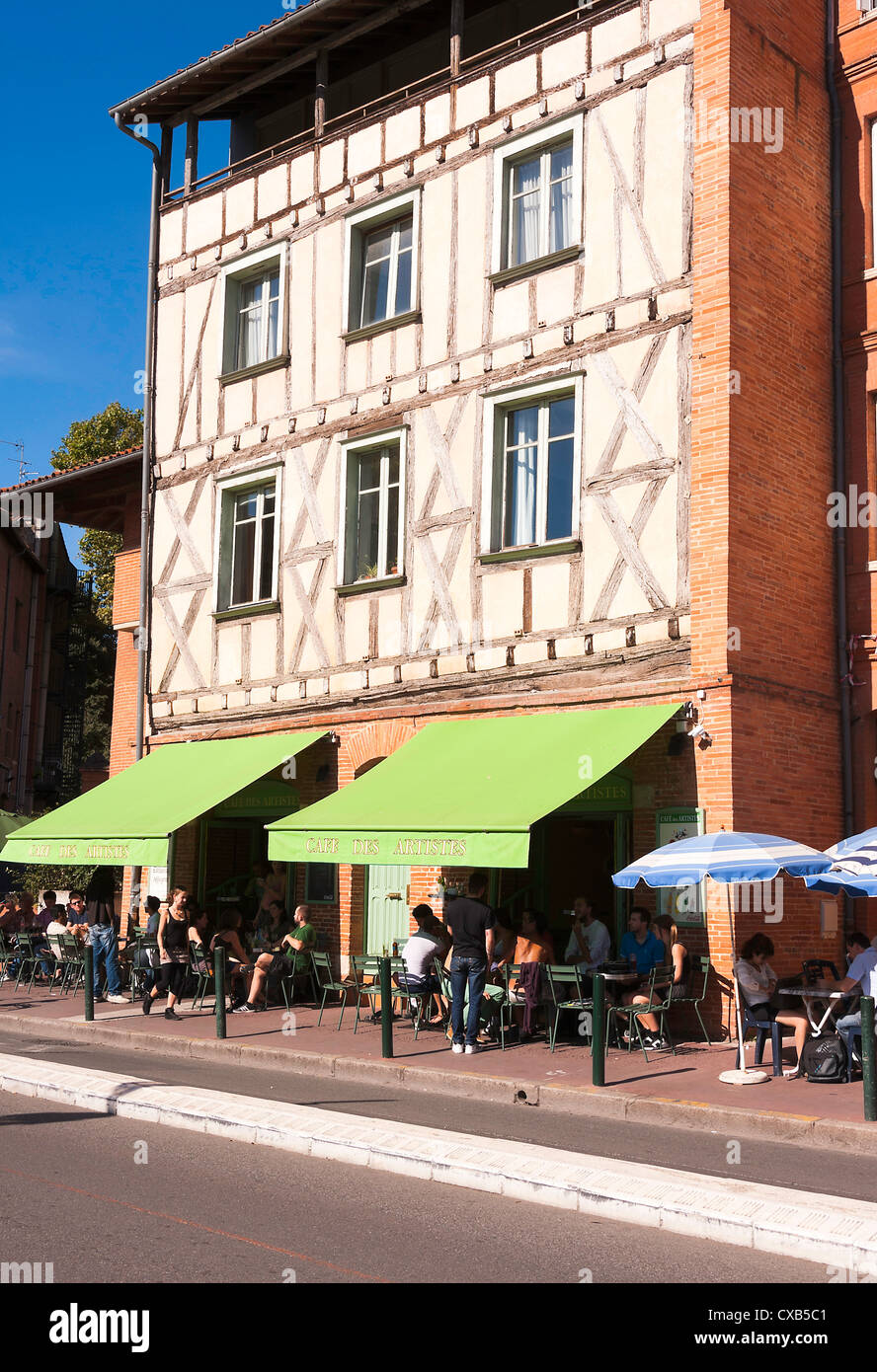 Cafe des Artistes in Place de la Daurade Toulouse Haute-Garonne Midi-Pyrenees France Stock Photo