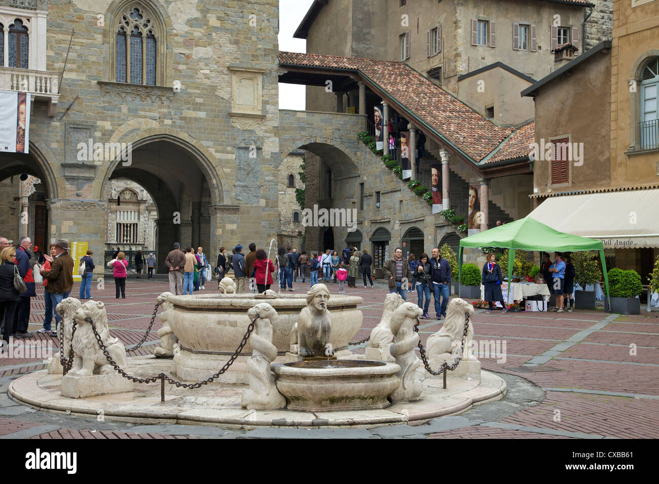 Contarini fountain, 1780, Piazza Vecchia, upper city, Bergamo, Lombardy, Italy, Europe Stock Photo