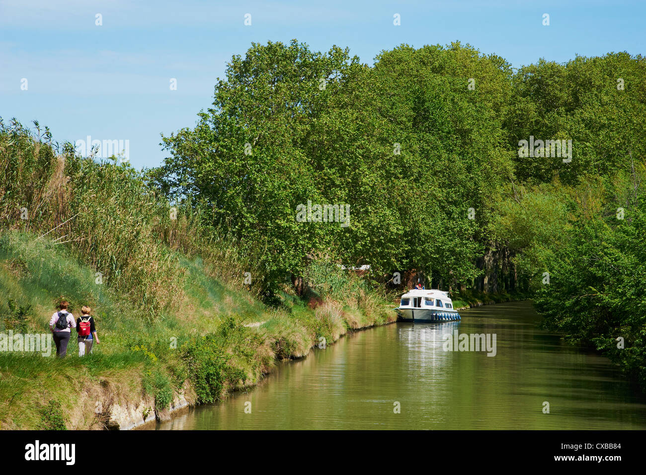 Navigation on the Canal du Midi, UNESCO World Heritage Site, between Carcassonne and Beziers, Aude, Languedoc Roussillon, - Stock Image