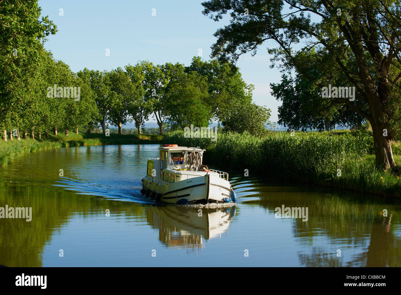 Navigation on the Canal du Midi between Carcassone and Beziers, UNESCO World Heritage Site, Aude, Languedoc Roussillon, - Stock Image