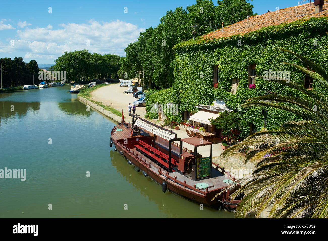 Barge for tourists, Le Somail, Aude, Languedoc Roussillon - Stock Image