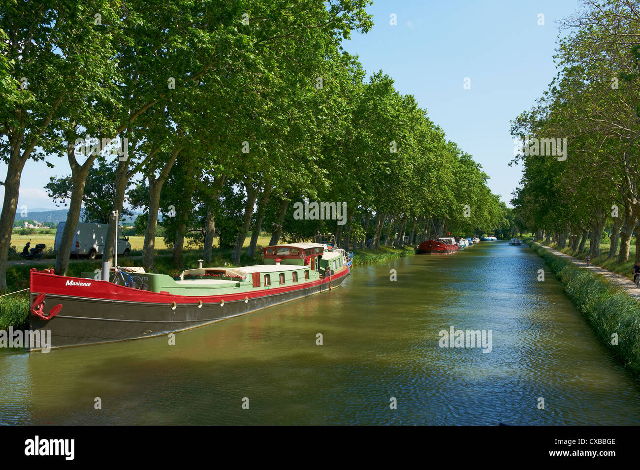 Le Somail village, Navigation on the Canal du Midi, between Carcassone and Beziers, Aude, Languedoc Roussillon, - Stock Image