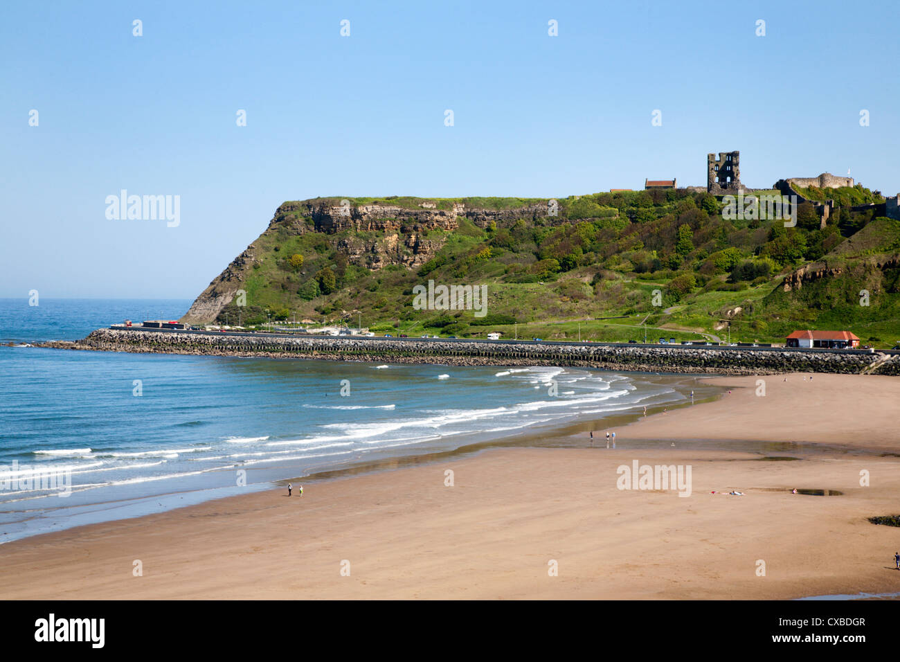 North Sands and Castle Hill, Scarborough, North Yorkshire, Yorkshire, England, United Kingdom, Europe - Stock Image