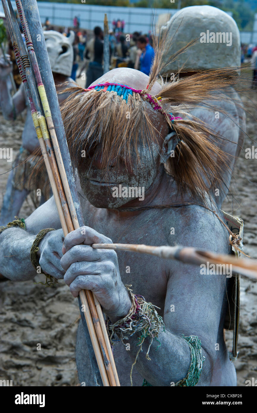 Mudman tribe celebrates the traditional Sing Sing in the Highlands of Papua New Guinea, Pacific - Stock Image