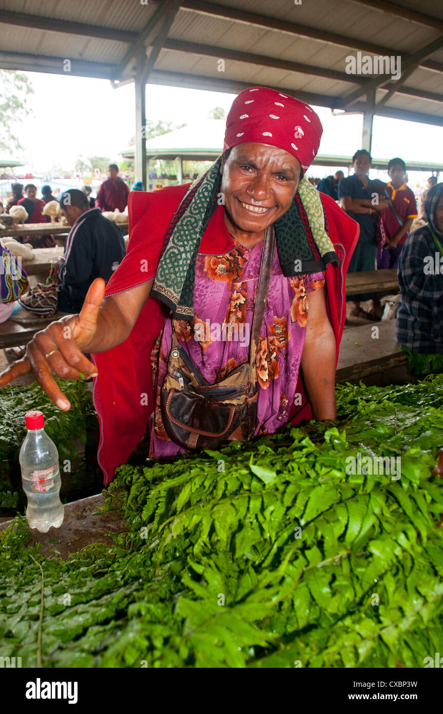 Friendly sales woman at the market of Mount Hagen, Highlands, Papua New Guinea, Pacific Stock Photo