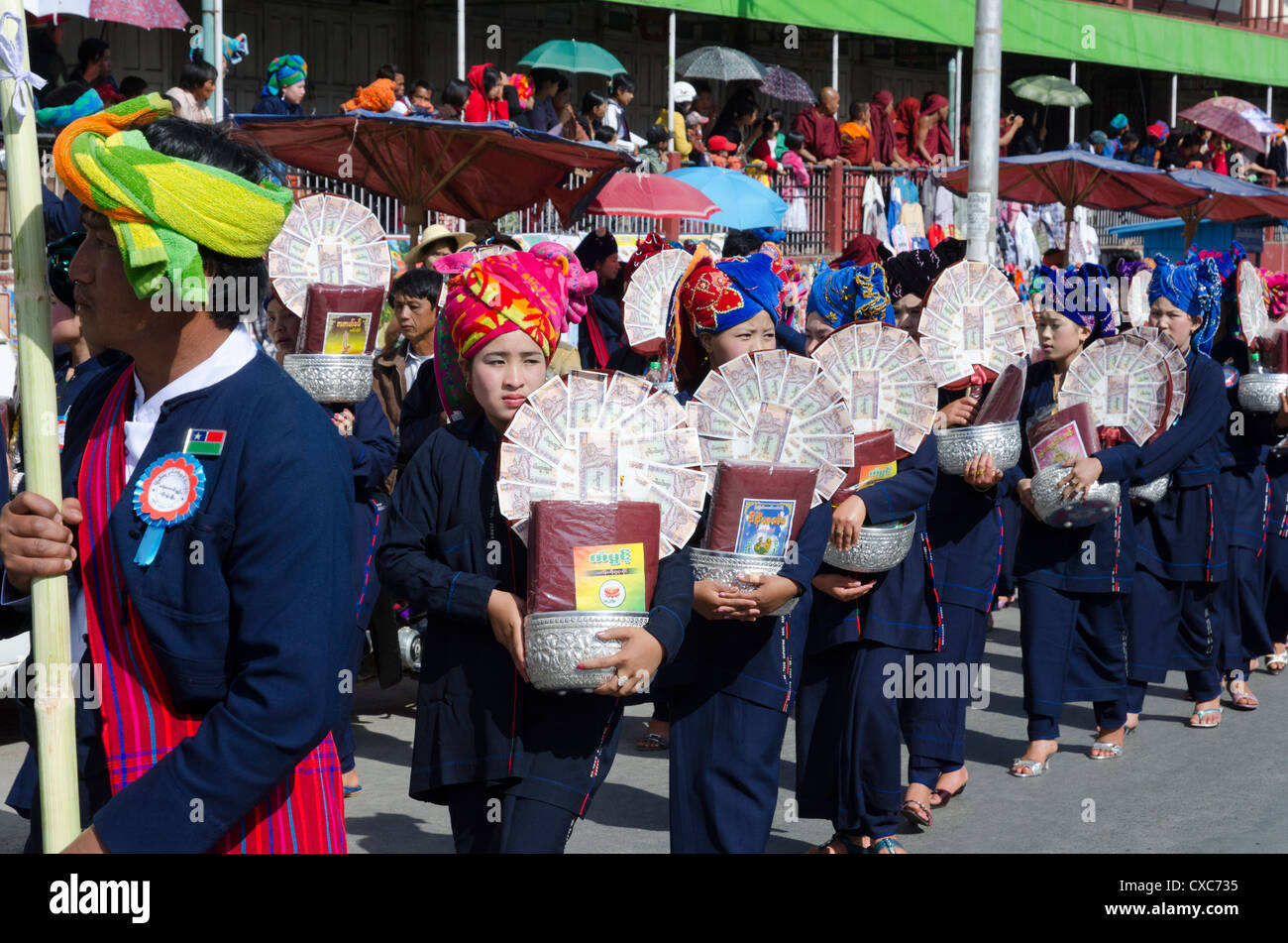 Pa Oh minority women marching during the procession on Pa Oh National Day, Taungyi, Southern Shan State, Myanmar - Stock Image