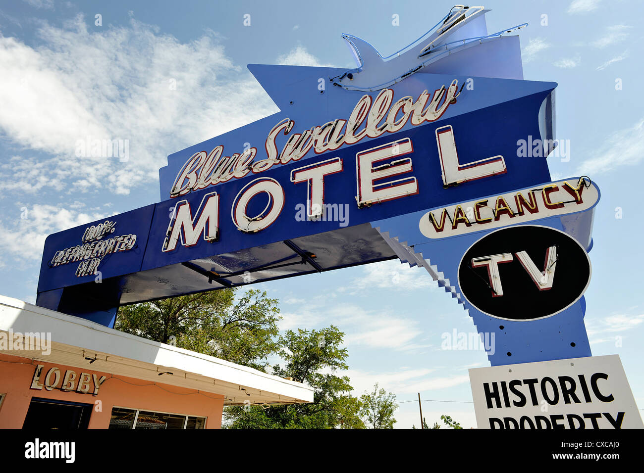 neon sign outside the legendary blue swallow motel route 66 stock photo alamy alamy