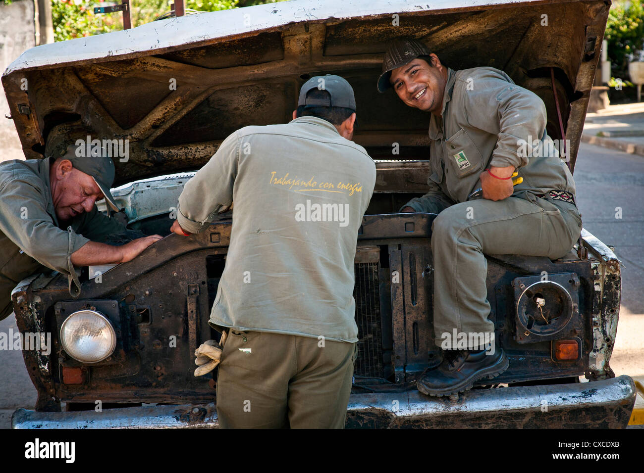 Car mechanics, Mercedes, Corrientes Province, Argentina. - Stock Image