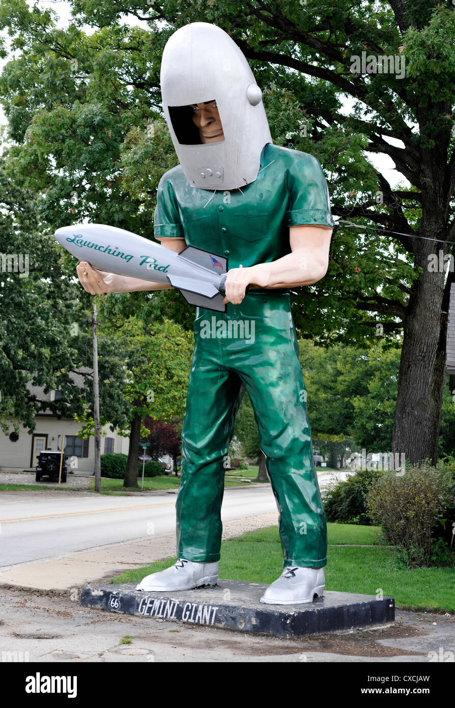 The Gemini Giant statue, or muffler man, on Route 66 Wilmington Illinois - Stock Image