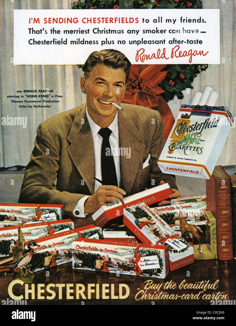 CHESTERFIELD CIGARETTE advert with Ronald Reagan in 1950 - Stock Image