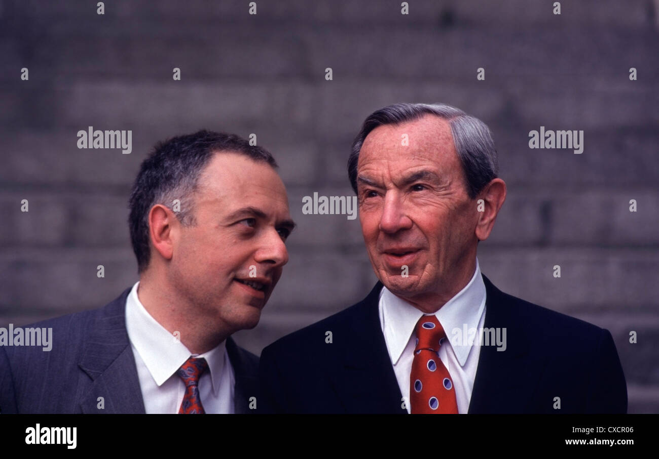 Russian Foreign Minister Andrei Kozyrev (L) talking to U.S. Secretary of State Warren Christopher in Moscow, 1993 - Stock Image