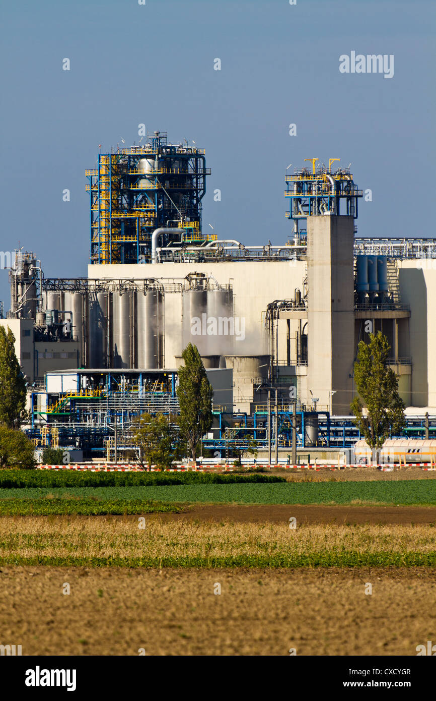 Oil Refinery (Heavy Industry Complex / Plant) - Stock Image