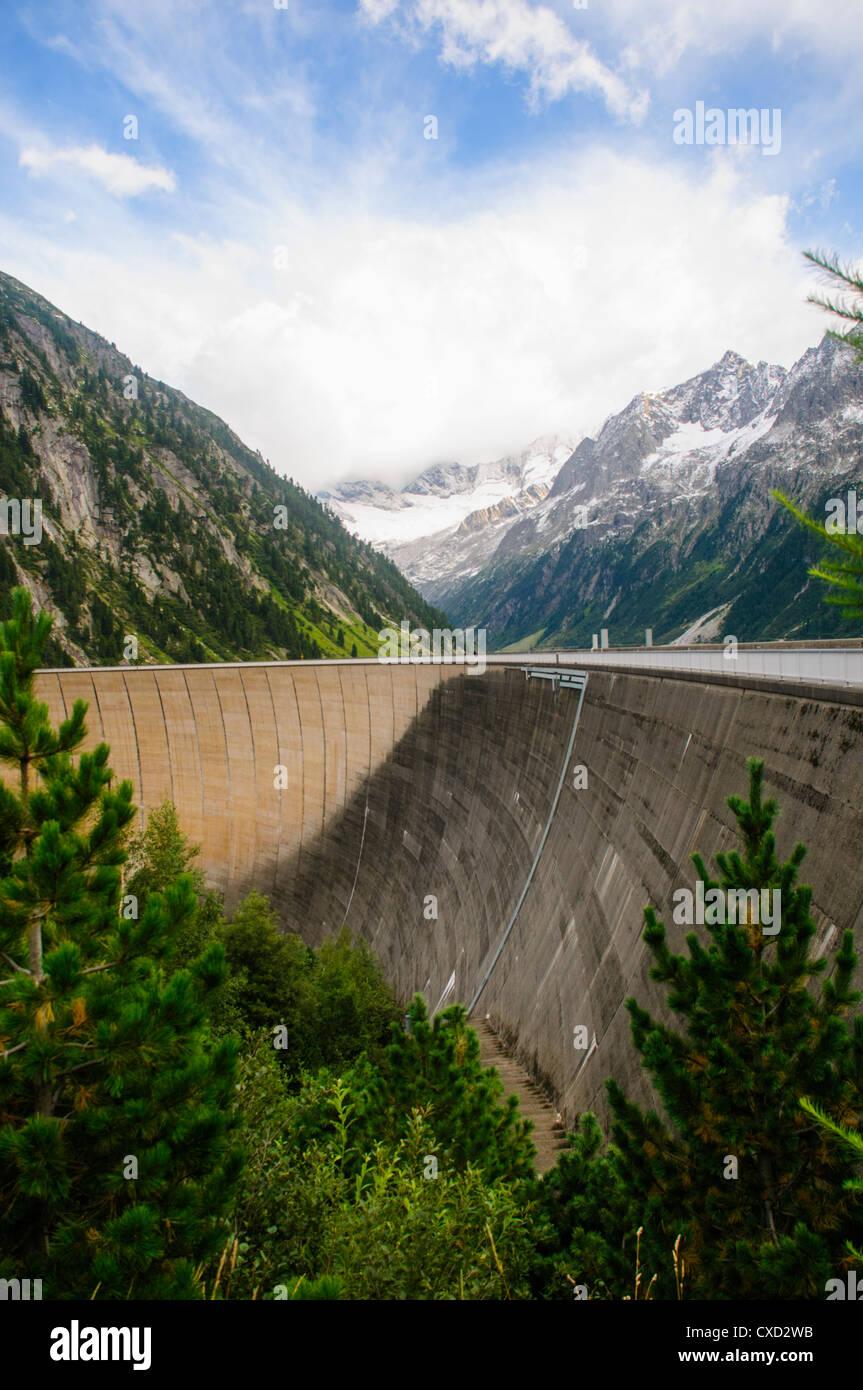 Austria, Zillertal High Alpine nature Park Hochgebirgs Naturpark Schlegeis dam and reservoir Stock Photo