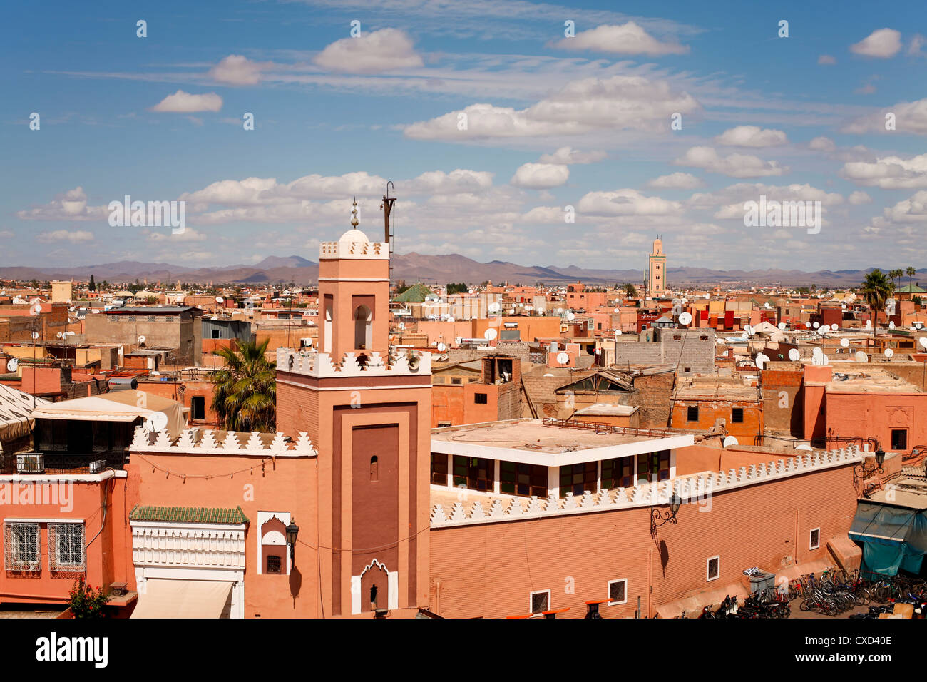 Elevated view over the Djemaa el-Fna, Marrakech (Marrakesh), Morocco, North Africa, Africa - Stock Image