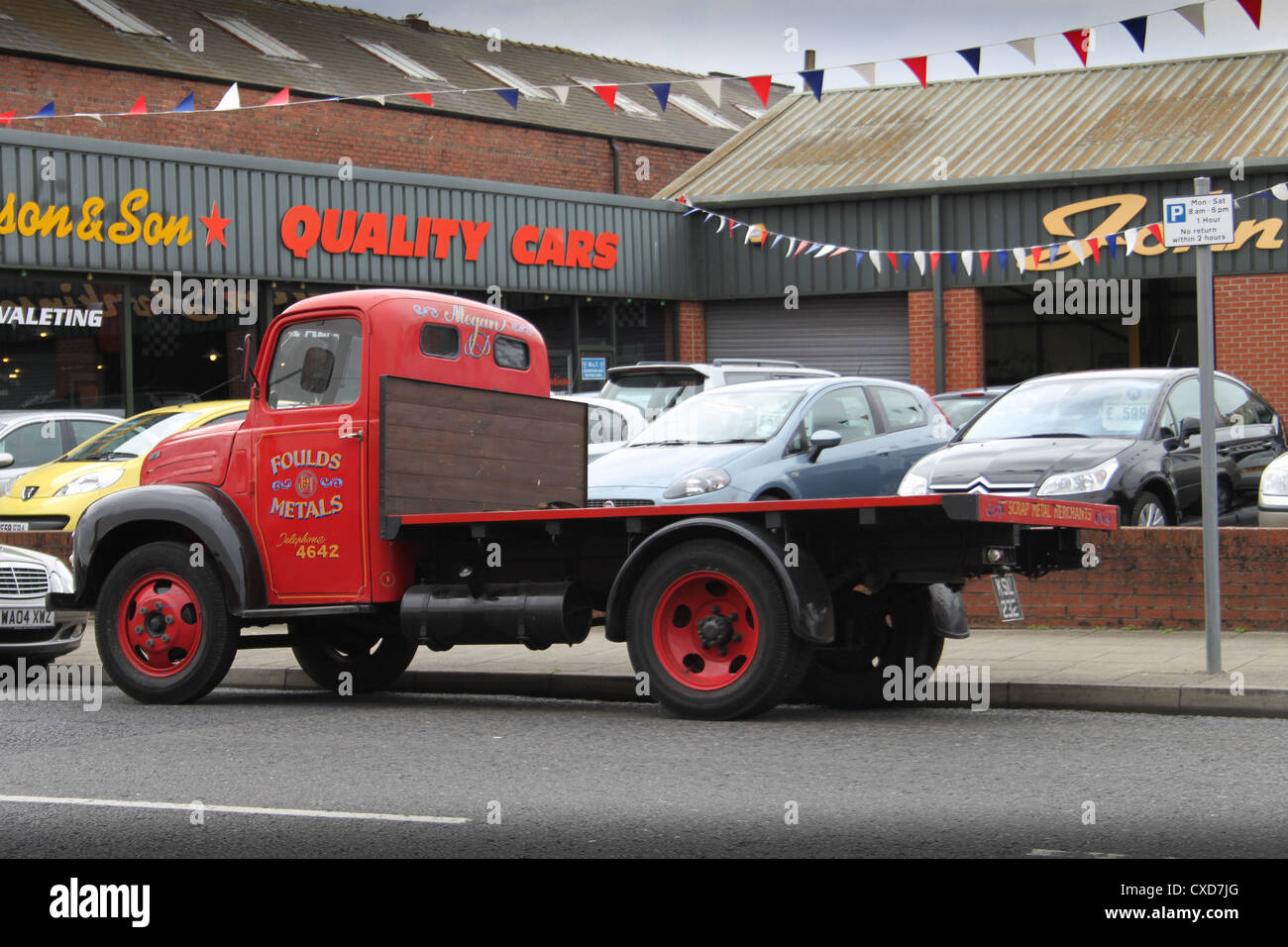 Truck Sales Stock Photos & Truck Sales Stock Images - Alamy