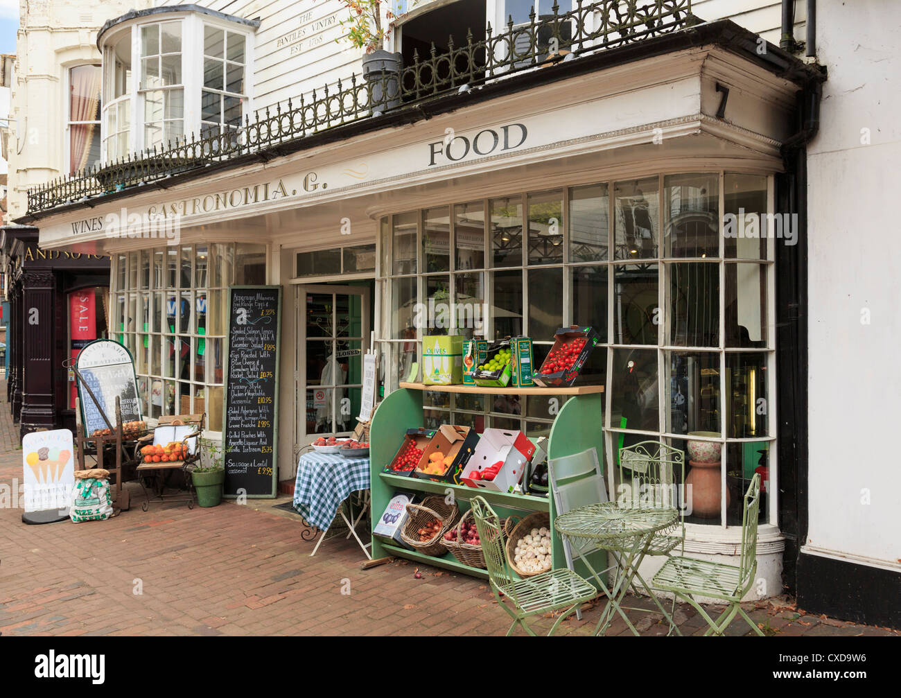 Gastronomia restaurant and delicatessen in The Pantiles Vintry with fruit and vegetables on display outside. Tunbridge - Stock Image