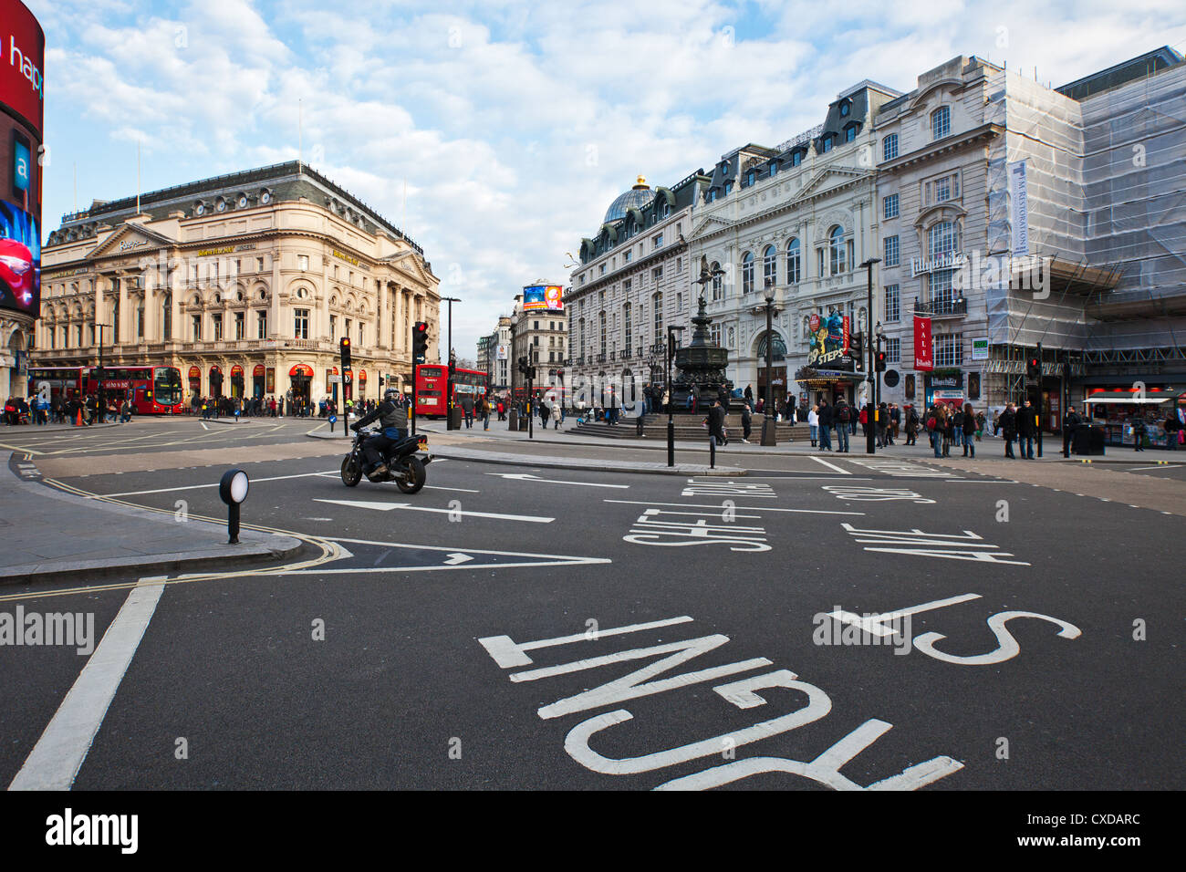 UK, London, people in Piccadilly Circus - Stock Image
