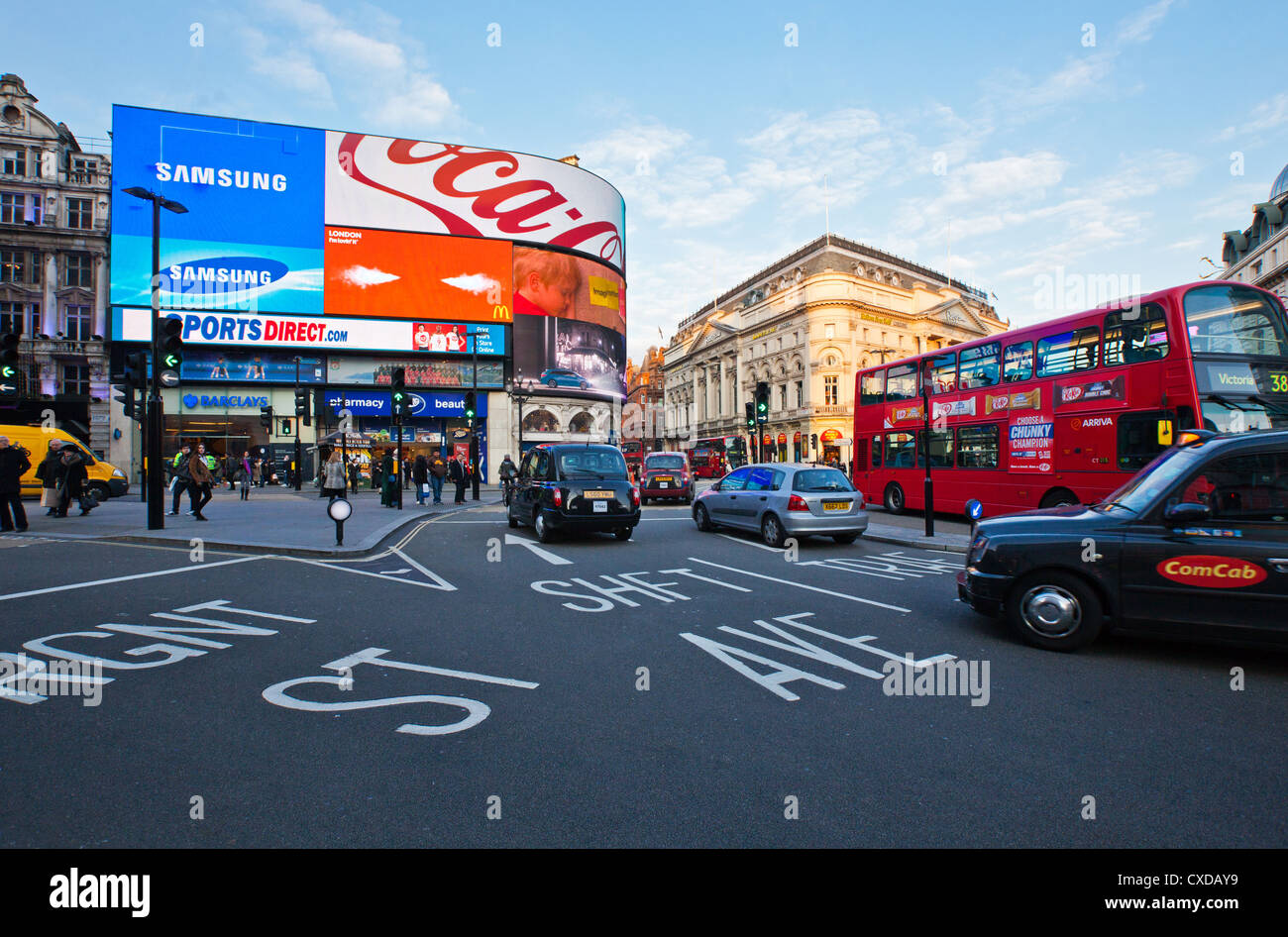 UK, London, traffic in Piccadilly Circus - Stock Image