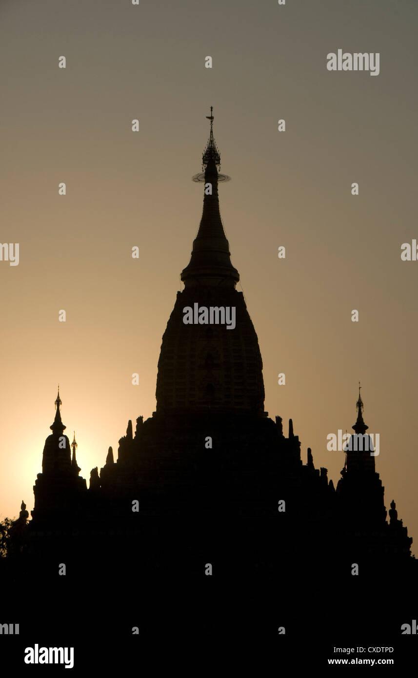 Ananda Pahto at sunset, Bagan (Pagan), Myanmar (Burma), Asia - Stock Image