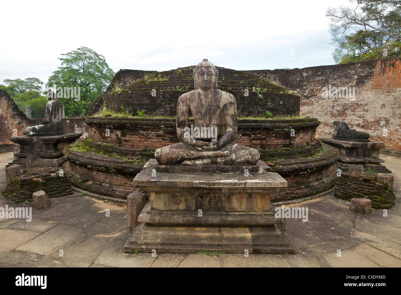One of the Buddha statues on the upper platform, next to the stupa, Vatadage, Polonnaruwa, UNESCO World Heritage - Stock Image