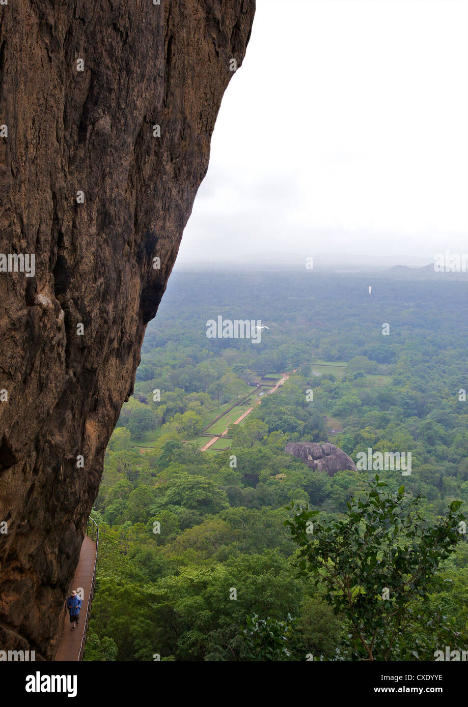 Walkway on Sigiriya Lion Rock Fortress, 5th century AD, UNESCO World Heritage Site,  Sri Lanka, Asia - Stock Image