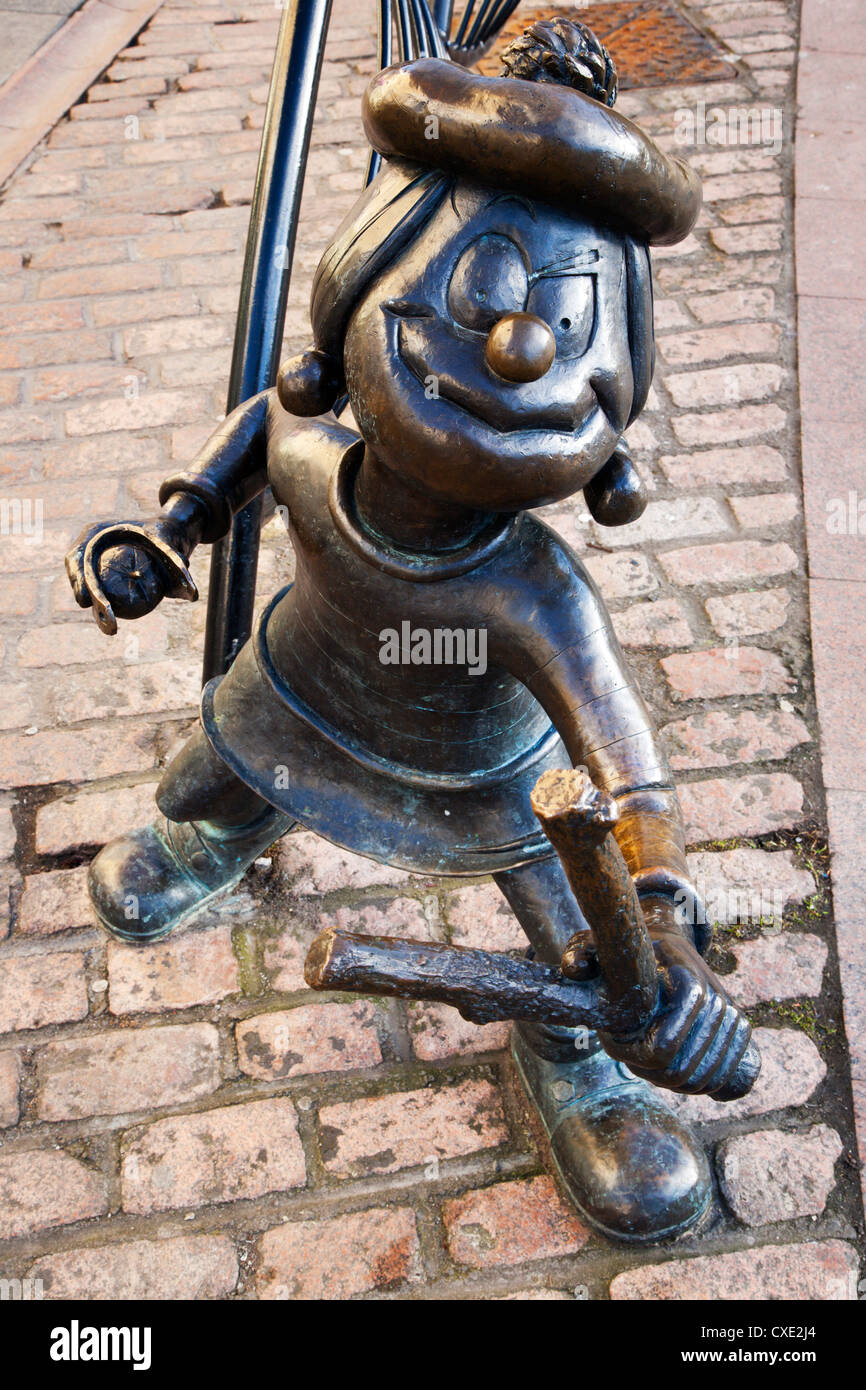 Minnie the Minx statue, Dundee, Scotland - Stock Image