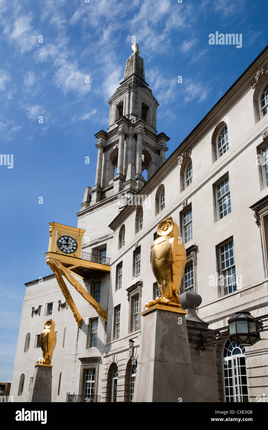 Leeds Owls and Civic Hall, Leeds, West Yorkshire, Yorkshire, England, United Kingdom, Europe - Stock Image