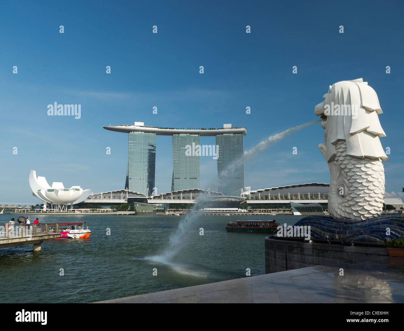 Marina Bay Sands Hotel viewed from Merlion Park, Singapore, Asia - Stock Image