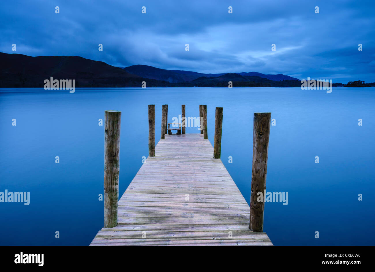 Dawn at Ashness Jetty, Barrow Bay, Derwent Water, near Keswick, Lake District National Park, Cumbria, England - Stock Image