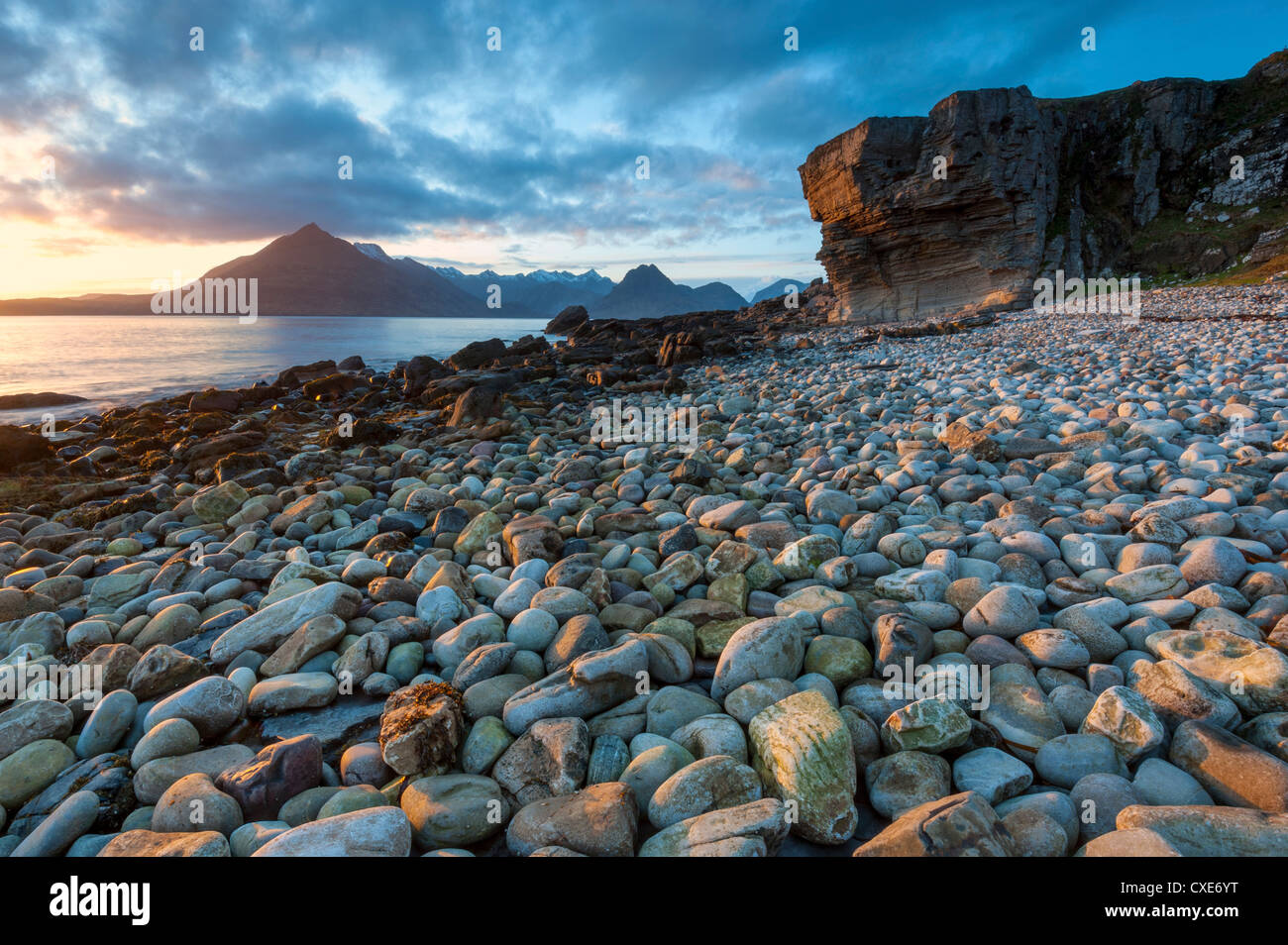 Sunset at Elgol Beach on Loch Scavaig, Cuillin Mountains, Isle of Skye, Scotland - Stock Image