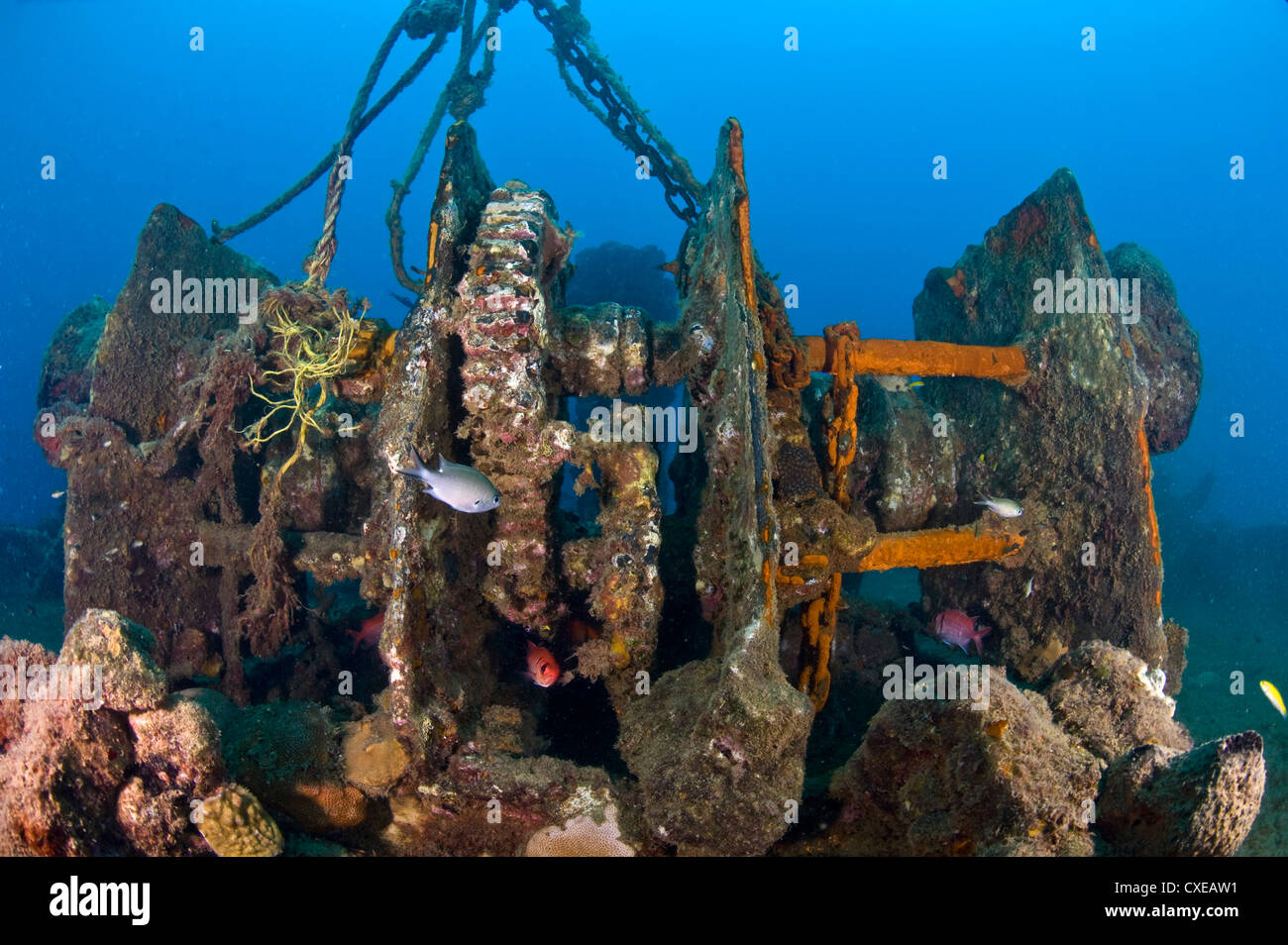 Gantry gear on the deck of the wreck of the Lesleen M,  Anse Cochon Bay, St. Lucia - Stock Image