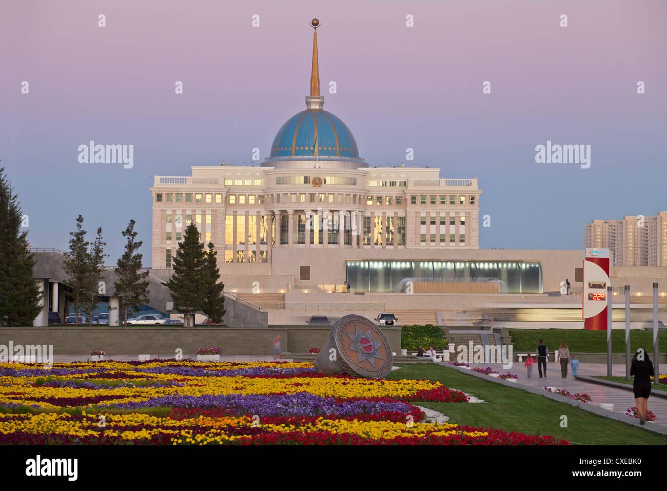 The Ak Orda, Presidential Palace of President Nursultan Nazarbayev at twilight, Astana, Kazakhstan, Central Asia, - Stock Image