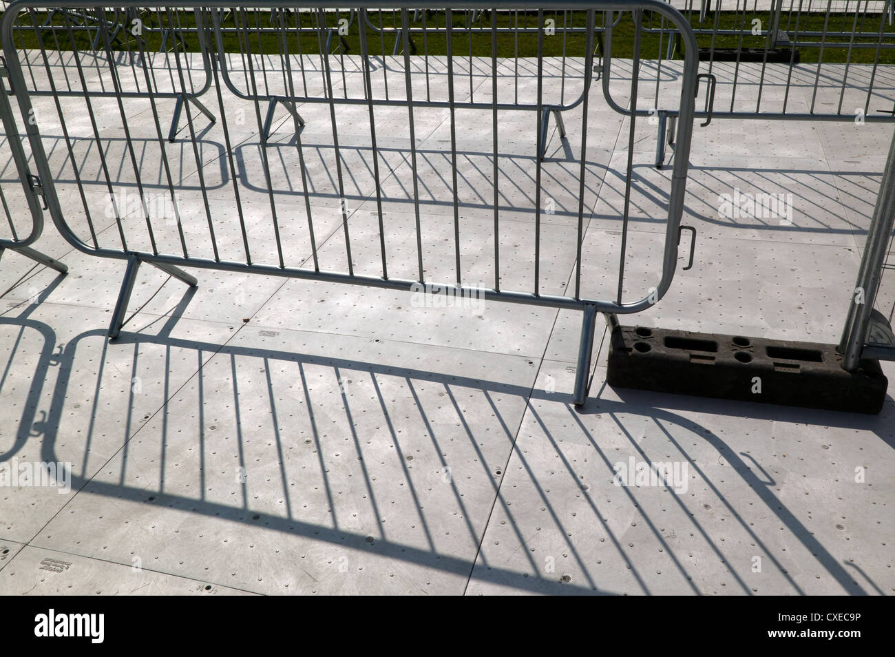 Temporary flooring and railings on the approach to a temporary pedestrian bridge over the A2, for the London 2012 - Stock Image