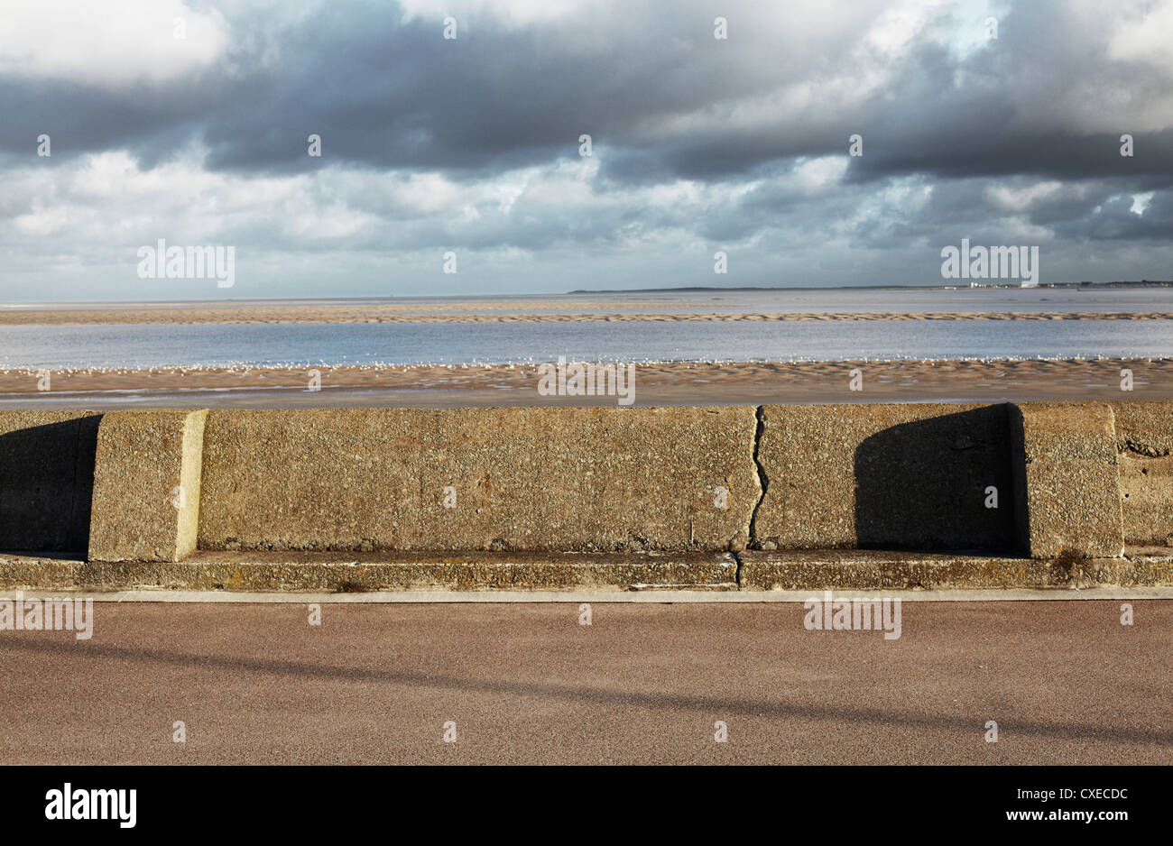 Crack in the wall at New Brighton, UK - Stock Image
