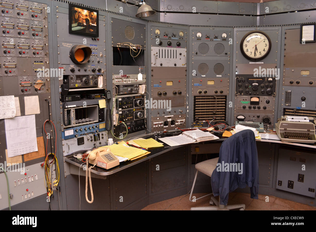 Control room at KPH/K6KPH radio at Bolinas California. KPH was a public coast radio station on the West Coast of - Stock Image