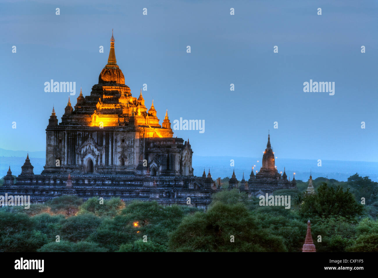 View of THE THATBYINNYU TEMPLE from the SHWESANDAW TEMPLE or PAYA at sunset - BAGAN, MYANMAR Stock Photo