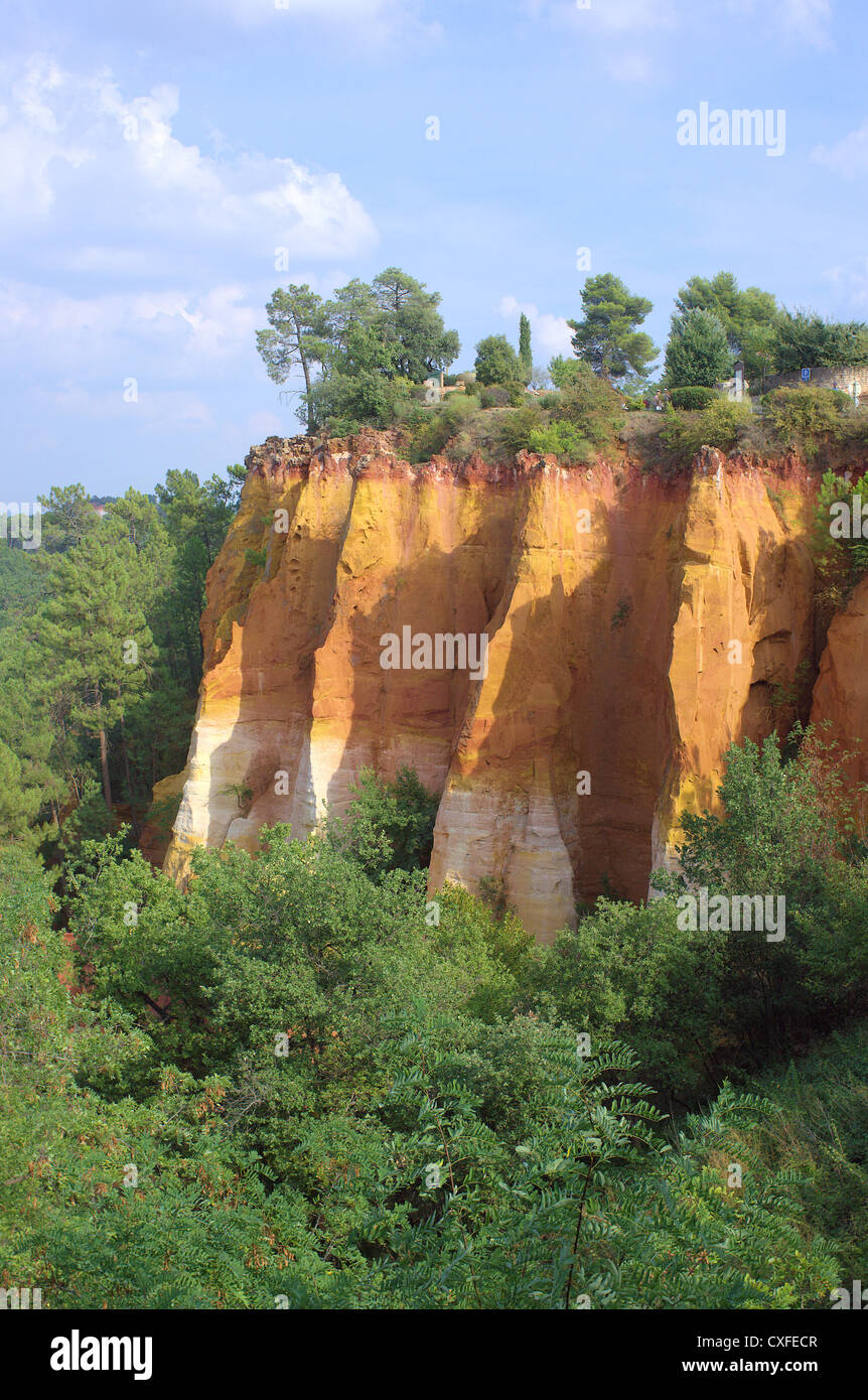 Ochre cliff Rousillon Provence Vaucluse France - Stock Image