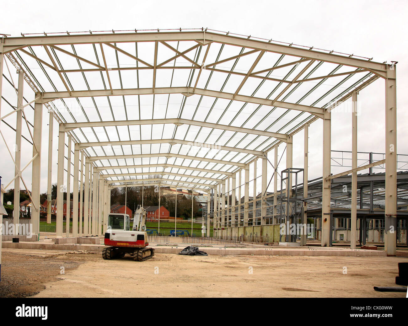 Steel Frame Building Stock Photos & Steel Frame Building Stock ...
