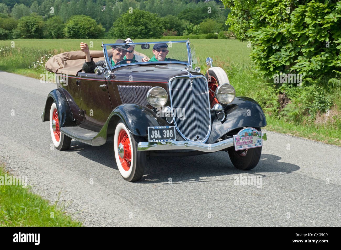 Ford v8 40 torpedo of 1933 in the tour de bretagne france 2012