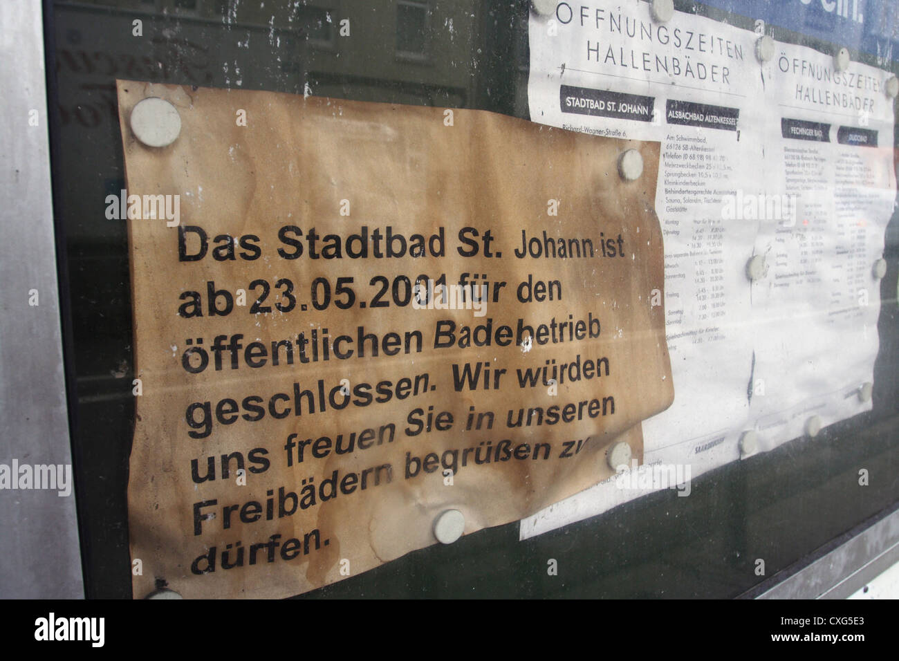 Saarbruecken, yellowed indication of a long-closed pool - Stock Image