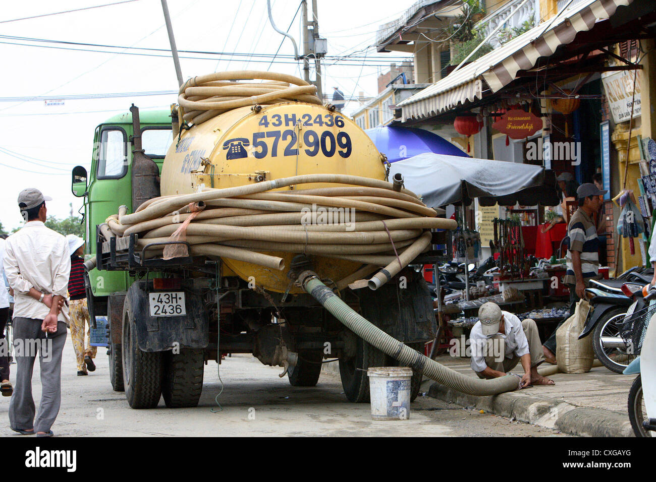 Vietnam suck, the city's sewer system - Stock Image