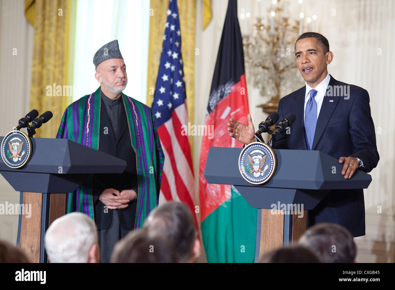US President Barack Obama welcomes President Hamid Karzai of Stock
