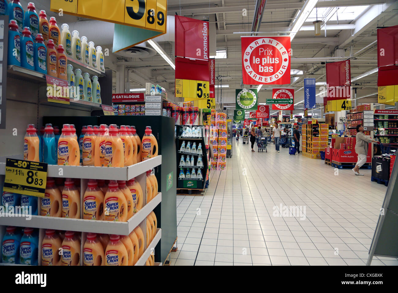 Calais France Cite Europe People Shopping In Carrefour Supermarket - Stock Image